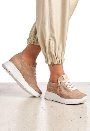 Sneakers basse - sand