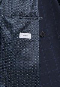 Isaac Dewhirst - THE FASHION SUIT PEAK WINDOW CHECK - Suit - dark blue - 8
