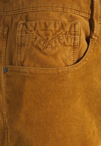 Replay - ANBASS - Trousers - toffee - 2