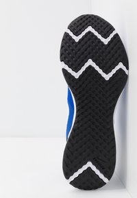 Nike Performance - REVOLUTION 5 - Zapatillas de running neutras - racer blue/white/ black - 4