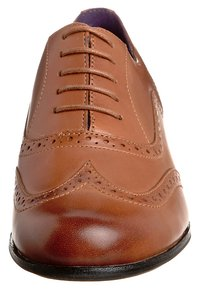 Clarks - Lace-ups - brown - 5
