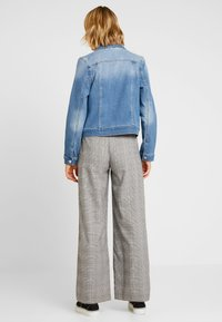 Vero Moda - VMULRIKKA JACKET - Denim jacket - light blue denim - 2
