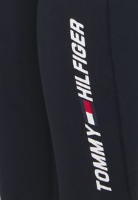 Tommy Hilfiger - GRAPHIC LEGGING - Legging - blue - 5