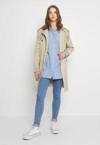 Levi's® - MILE HIGH SUPER SKINNY - Jeans Skinny Fit - naples stone - 1