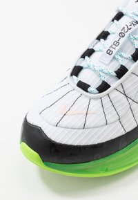 Nike Sportswear - MX-720-818 - Sneakers - white/black/ghost green/oracle aqua/washed coral - 6