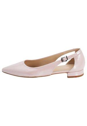 MIT SEITLICHEN CUT-OUTS - Ballet pumps - rosa