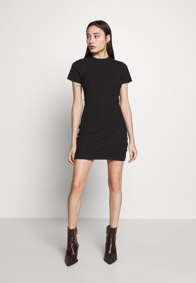 Even&Odd Petite - Kjole - black