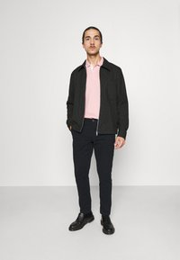 Selected Homme - SLHSLIM CHESTER FLEX PANTS - Chino kalhoty - black - 1