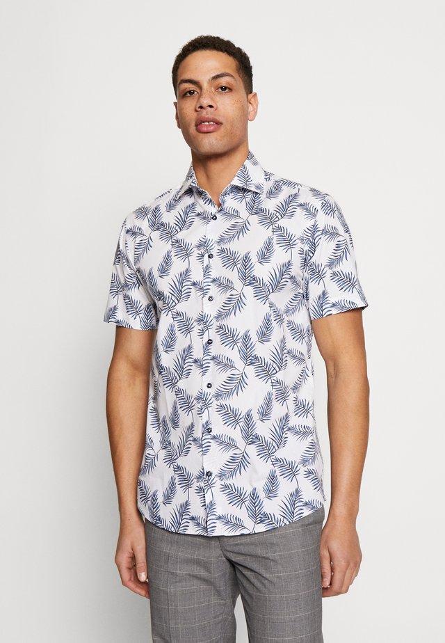 COLUMBO SLIM FIT - Camisa - white