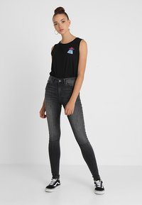 Vero Moda - VMSOPHIA  - Jeans Skinny Fit - dark grey denim - 2