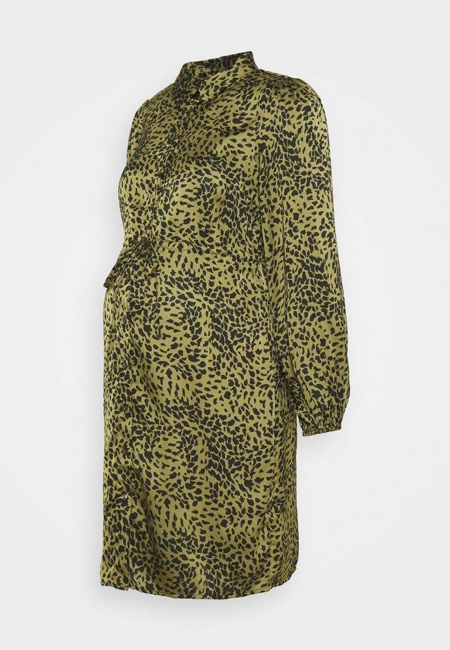 PCMDANNI SHIRT DRESS - Blousejurk - black/olive
