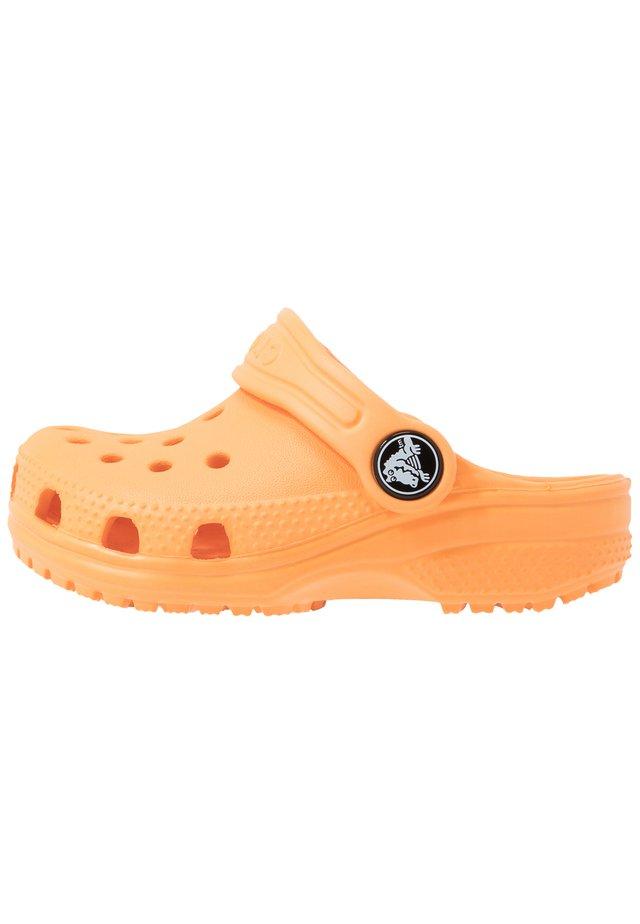 CLASSIC - Sandales de bain - cantaloupe