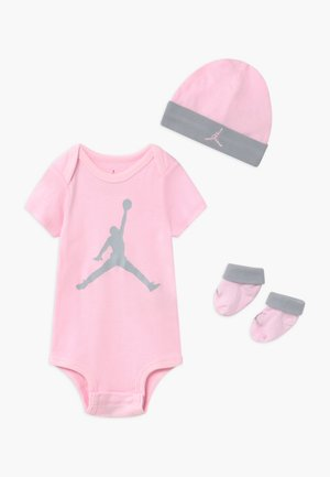 JUMPMAN BOOTIE SET - Baby gifts - pink foam