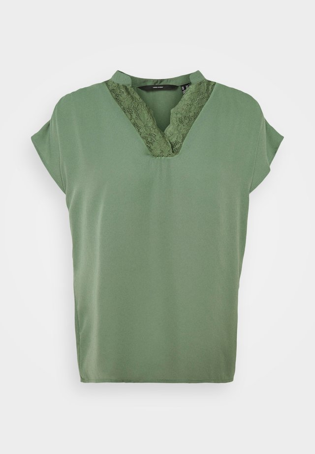 VMMAPLE - Print T-shirt - laurel wreath