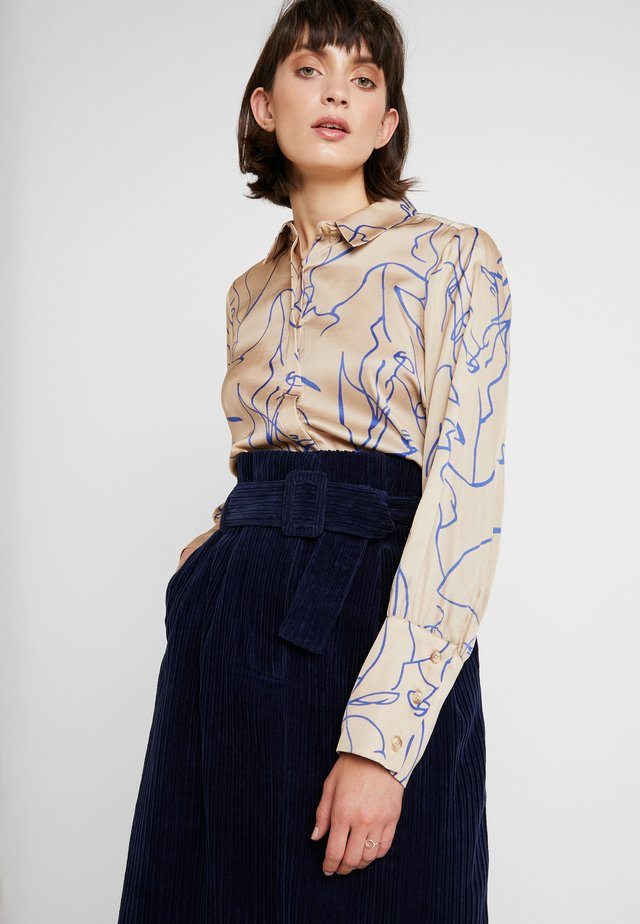 RYLAN - Camisa - beige/blue