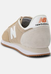 New Balance - 720 UNISEX - Sneakers - tan - 4