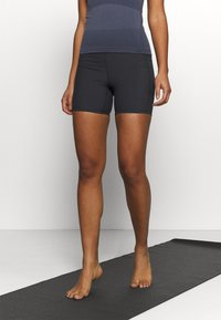 Cotton On Body - POCKET BIKE SHORT - Leggings - black - 0
