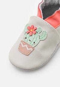 Robeez - HAPPY CACTUS - First shoes - beige - 5