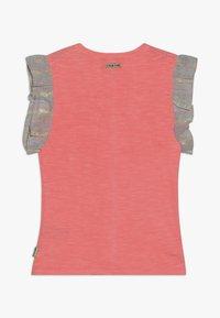 Vingino - HIVAE - Camiseta estampada - neon peach - 1