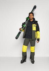 Brunotti - ARACIN MENS SNOWJACKET - Snowboardjacka - pine grey - 1