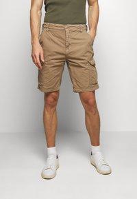 Schott - CARGO - Shorts - army mastic - 0