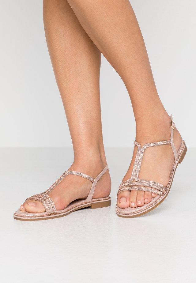 Sandały - cipria
