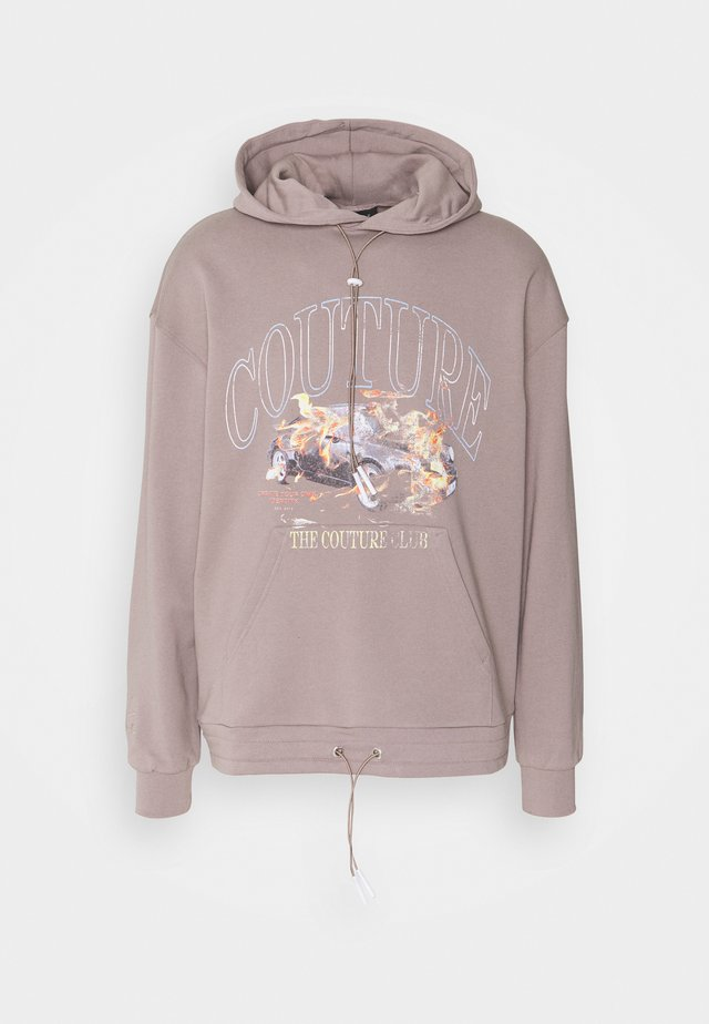 OVERSIZED FIT HOOD WITH FLAMING CAR GRAPHIC - Sweatshirt - washed taupe