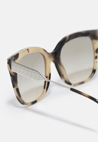 Burberry - Sunglasses - spotted brown - 2