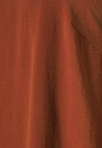 Zizzi - XHANNU DETAIL BLOUSE - Long sleeved top - fired brick - 2