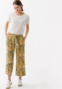 BRAX - STYLE MAINE  - Trousers - toffee - 1