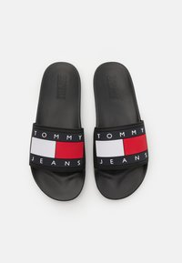 Tommy Jeans - FLAG POOL SLIDE - Matalakantaiset pistokkaat - black - 3