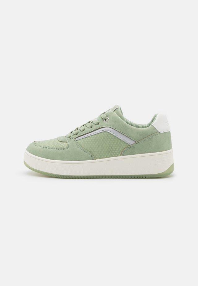 MADICKEN - Sneakers laag - light green