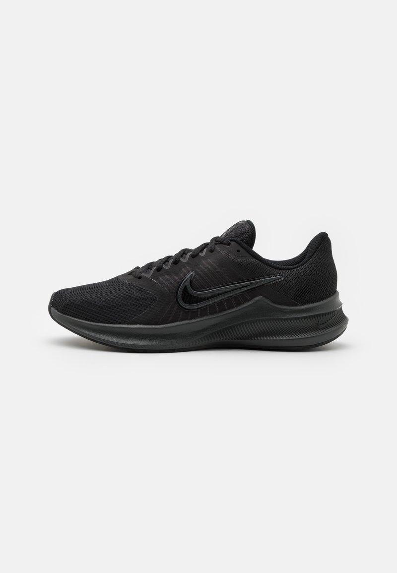 Nike Performance - DOWNSHIFTER 11 - Zapatillas de running neutras - black/dark smoke grey/light smoke grey