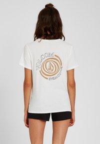 Volcom - 30 YEAR TEE - Print T-shirt - star_white - 2