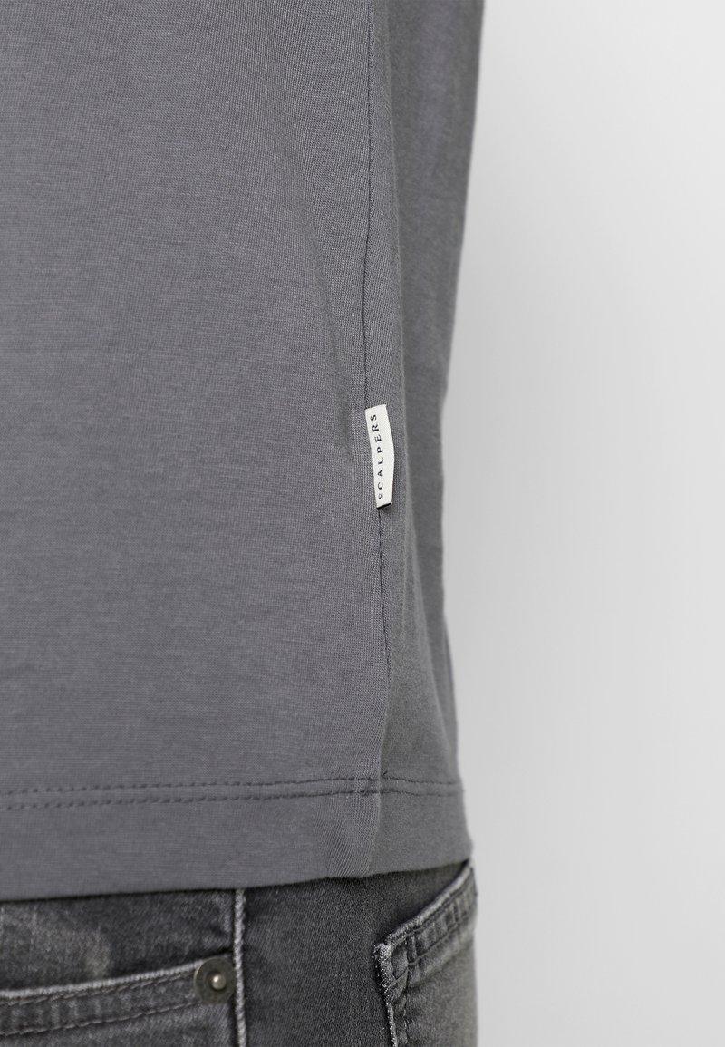 Scalpers T-Shirt basic - dark grey/dunkelgrau y7t7Dx