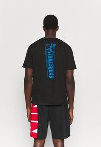 Outerstuff - SPACE JAM TECH SPINE TEE - Print T-shirt - black - 2