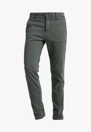 ZEUMAR HYPERFLEX  - Slim fit jeans - olive