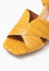 Bruno Premi - Sandaler - yellow - 2