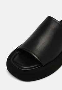 By Malene Birger - SIRI - Mules - black