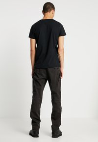 G-Star - ROXIC STRAIGHT TAPERED - Cargo trousers - raven - 2