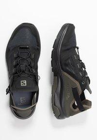 Salomon - TECH AMPHIB 4 - Obuwie hikingowe - black/beluga/castor gray - 1