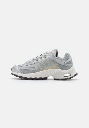 THESIA  - Trainers - grey two/silver metallic/crystal white