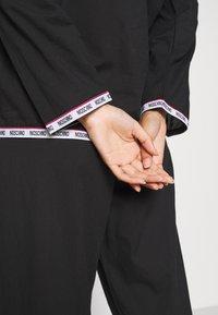 Moschino Underwear - Pyjama - black - 3