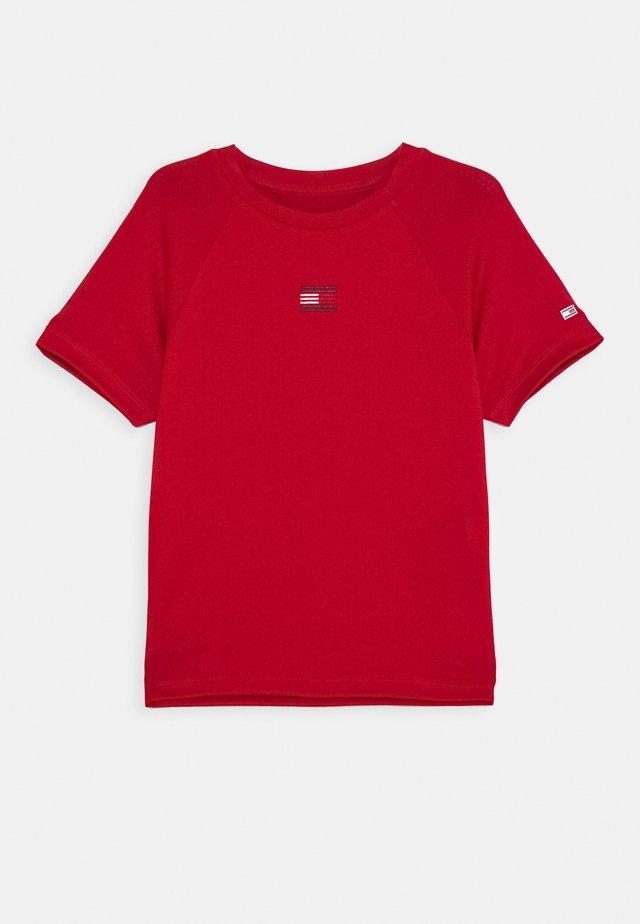 SPORT TEE - Print T-shirt - red