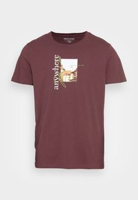 JORWHERE PHOTO TEE CREW NECK - Print T-shirt - catawba grape