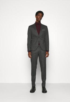 PULETTI SUIT - Suit - grey