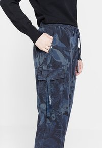Desigual - MALALA - Pantalon de survêtement - blue - 3