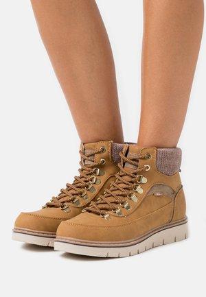 Kotníková obuv - panama