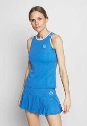 PLIAGE TANK - Treningsskjorter - campanula/white