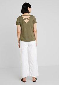 TOM TAILOR - T-shirts print - dry greyish olive - 2